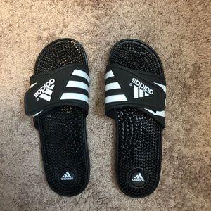 EUC Women's Adidas slides size 10